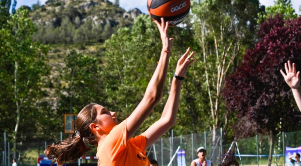 Baloncesto en inglés en the Village